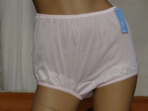 """DIXIE BELLE"" SILKY NYLON PANTIES  SIZE:- MEDIUM/LARGE/XL . USA 6/7/8"